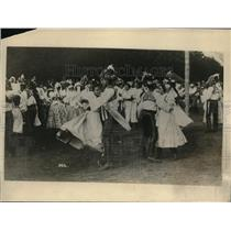1919 Press Photo Prague, Czech pesants in a folk dance