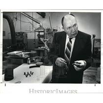1988 Press Photo Tribon Bearing Company Technical Specialist Morgan P. Hanson