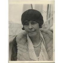 1930 Press Photo Ms. Edna Coulter, possessing transport pilot license
