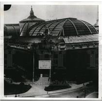 1942 Press Photo Plane roared by Grand Palais on the Chanps Elysees