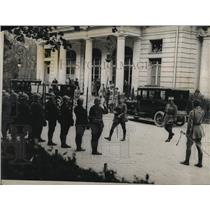 1919 Press Photo Marshall Foch inspecting Guard of Honor