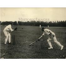 1922 Press Photo Cricket player, Yencken, of the British Embassy team prevails