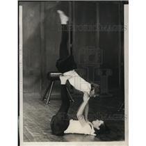 1929 Press Photo Marion Hobday And Ruth Valentine Champion Gymnasts