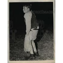 1943 Press Photo John Simpson Has Rip in Pants at Football Game Cairo Illinois
