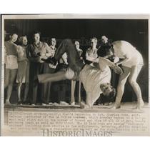 1948 Press Photo LA Calif Sgt Charles Howe self defense at Police academy