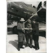 1933 Press Photo Lieutenants Alva Harvey and Eric nelson with Jack Harding