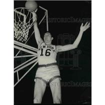 1958 Press Photo Tony Lavelli Sinks Shot at New York Knickerbockers Practice