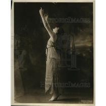 1915 Press Photo Manya Rudina model & dancer