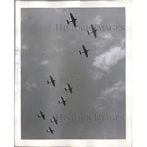 1941 Press Photo Advanced Training Ships salute to graduating flying cadets.