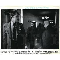 1979 Press Photo Chief investigator E. Doug Dreifus on his way to Capt. McBroom