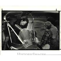 1987 Press Photo Tom Pratt in Glider like plane just flew from Iowa nonstop