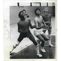 1976 Press Photo Kooros Eghdami Oregon Episcopal Basketball - ora22650