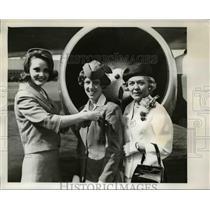 1965 Press Photo Mrs Frank Kreutz (R), daughter Tamra Jean (C) & Gail Condon