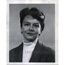 1965 Press Photo Linda Gaenicke, recruiting stewardesses for Northwest Airlines