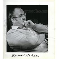 1983 Press Photo Tom Highland, manager of Pearson Airpark - ora34596