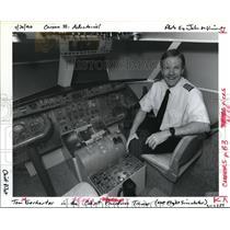 1992 Press Photo Tom Gerharter Horizon Air Airline Job Opportunities - ora24746