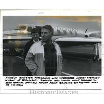 1990 Press Photo Anatoly Belosvet a soviet Airplane Designer at Portland Airport