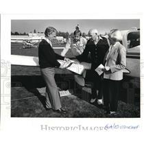 1986 Press Photo Vancouver Aviation Executives At Pearson Airpark - ora23881