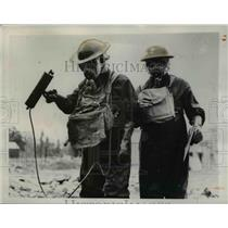 1949 Press Photo Civil Trainees wearing Anti Radioactive suits