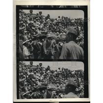 1930 Press Photo Crowd Making Human Wall Around Wheeler Field