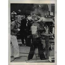 1944 Press Photo Vera Anderson Defends Champion Woman Welder Title
