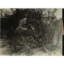1920 Press Photo Girl Scout Sarah Soundder at a camp site