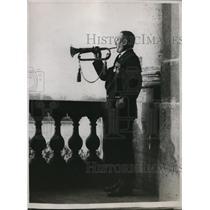 1918 Press Photo Henri Sellier Sounds Retreat