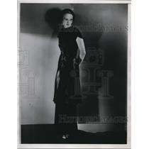1934 Press Photo Costume courtesy Sales-Fifth Avenue