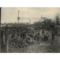 1921 Press Photo Washington Boy Scout marking No.1 landing at Boiling Field.