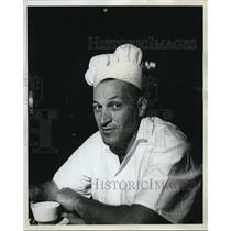 1961 Press Photo Joe Goldberg presides at Goldberg's at Lloyd's - ora27636