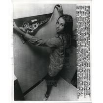 1970 Press Photo New Orleans La Julie Gorrondona sec of M Stern Buccaneers GM