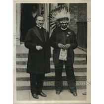 1932 Press Photo Father J.J. Troy & Father Cordon St Patrick's Wisconsin, Indian