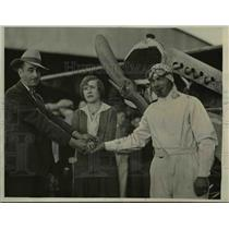 1930 Press Photo Alvia Peters, Betty Lou Shaw & Claude Wilson With Built Plane