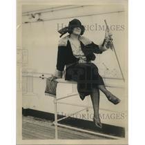 1922 Press Photo Claira Smith Studies Foreign Opera In Italy