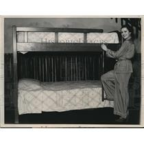 1936 Press Photo Furniture Exhibit of Chicago Merchandise Mart Bunkbeds