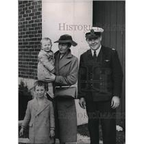 1939 Press Photo Mrs. J Mitchell And Sons John And George Who Love To Travel