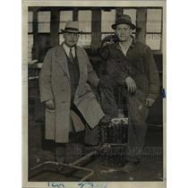 1923 Press Photo Arthur Wathey & son H Selvin