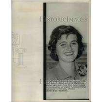 1952 Press Photo Miss Jeane Kennedy robbed of jewelry