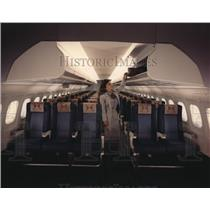 1989 Press Photo Modern Cabin of McDonnell Douglas MD-90 twin jet airliner