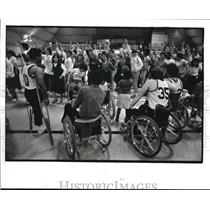 1982 Press Photo Up with People performing a song for the Cleveland Comets