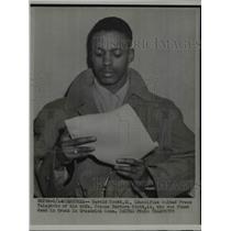 1952 Press Photo Gerald Scott Identifies Wife Found Dead, Greenwich Connecticut