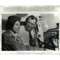 1971 Press Photo Cadet Roxann Wakenan Takes FAA Check Flight with Hoyt Walkup
