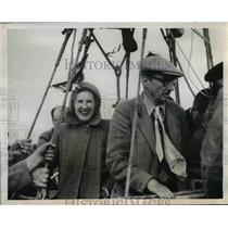 1950 Press Photo Maidenhead England Mrs Mary Pritchard & Charles Dollfuss