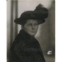 1915 Press Photo Mrs Albert Henyly