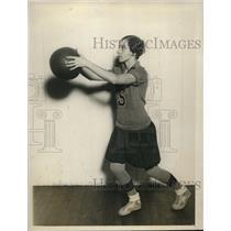 1927 Press Photo Helen Gibson, Forward, Savage Normal School basketball
