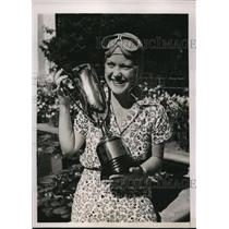 1936 Press Photo Adelaide McCormick & trophy for R Chatterton air derby race
