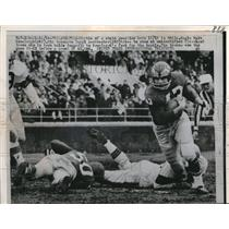 1959 Press Photo Philadelphia Eagles Walt Kowalczyk, Daryl Asherbach vs Browns