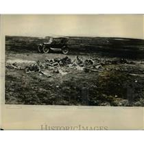 1928 Press Photo Corporal LW Bryant and Remained Of Observation Plane