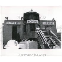 1951 Press Photo Cleveland Hopkins Airport - nee34450