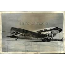 1941 Press Photo Chicago Expanded Municipal Apt With Plane Carrying Mayor Kelly